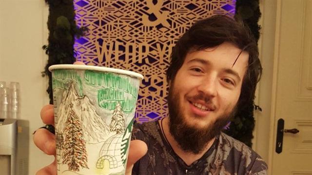 Dünyayı gezerken hayallerini kahve bardaklarına taşıyan seyyah