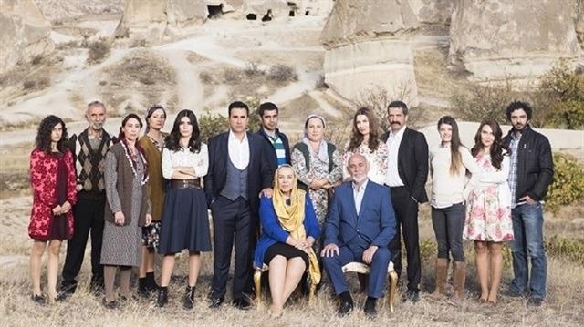 339997c44 Aşk ve Mavi dizisi yeni sezonda da olacak mı?
