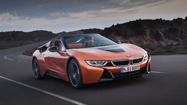 BMW i8 Roadster tanıtıldı