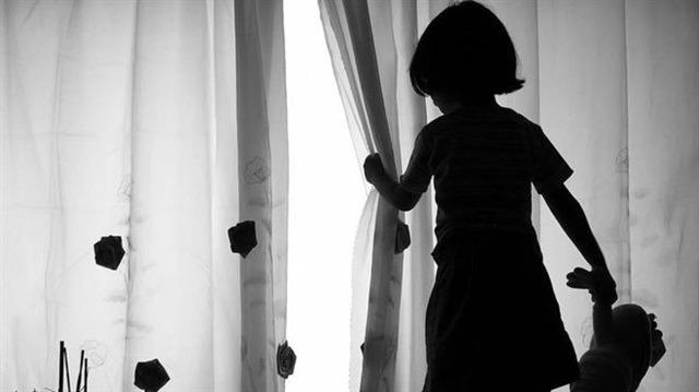 Çocuk istismarında 'hadım'dan sonra 'elektronik kelepçe'