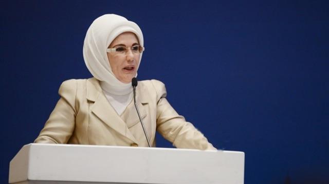 Emine Erdoğan'dan gençlere sahur daveti