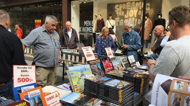 Stockholm'de 3 kilometre kitap pazarı kuruldu