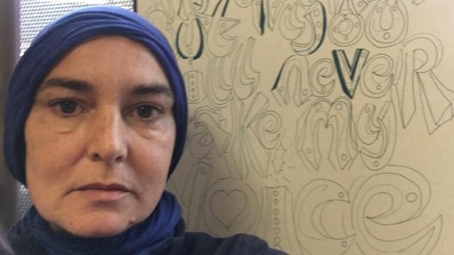 Dünyaca ünlü şarkıcı Müslüman oldu