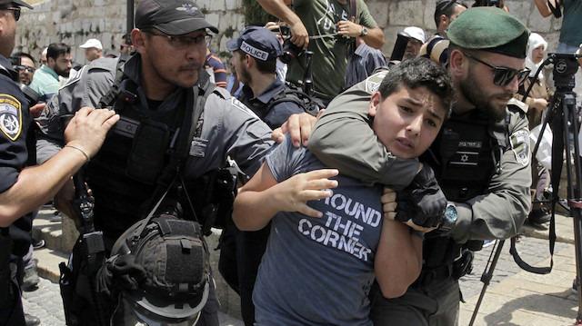 17 Filistinli gözaltına alındı