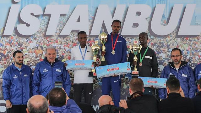 Vodafone 40. İstanbul Maratonu'nunda Kenyalı atletlerden parkur rekoru