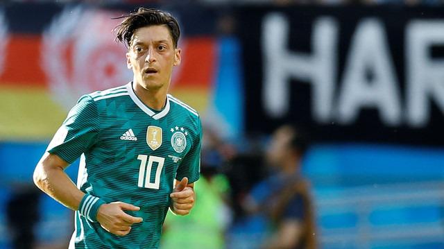 Almanlar, Mesut Özil'i unutamıyorlar!