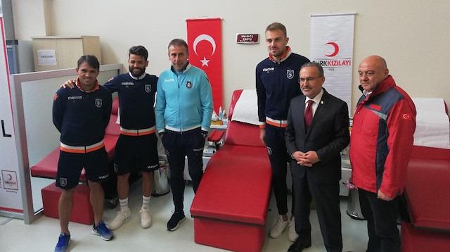 Başakşehir'den Kızılay'a kan bağışı