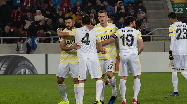 Fenerbahçe mağlubiyete rağmen turladı