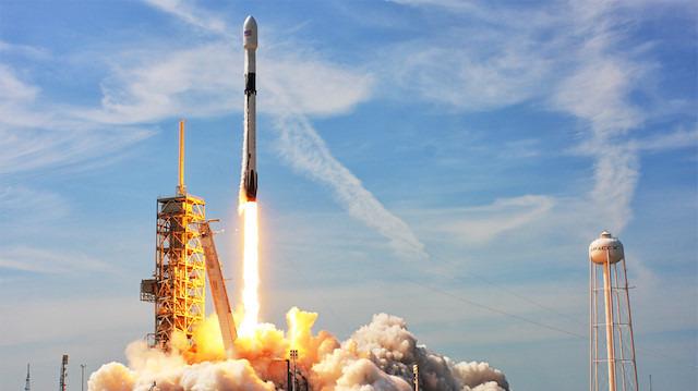 Hadi İpucu: SpaceX'in uzaya kargo taşımacılığı için kullandığı roketin adı nedir?