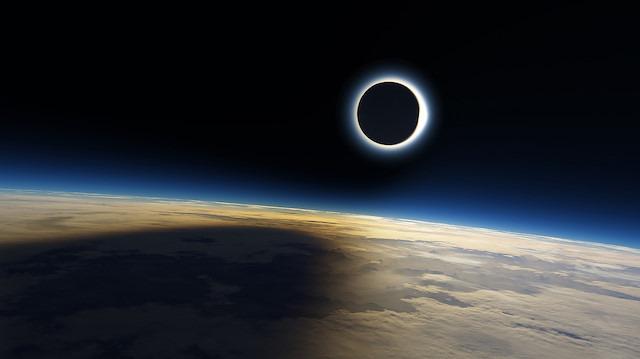 2019'da göğe bakılacak: 'Üç Güneş iki Ay tutulması'