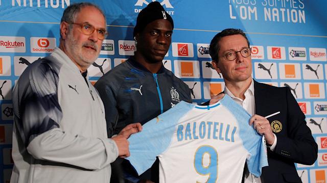 Balotelli'den 6 aylık imza