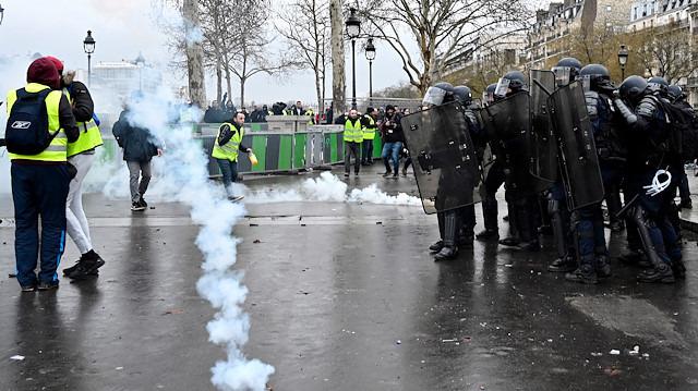11. haftasında sarı yelekliler Fransa sokaklarında