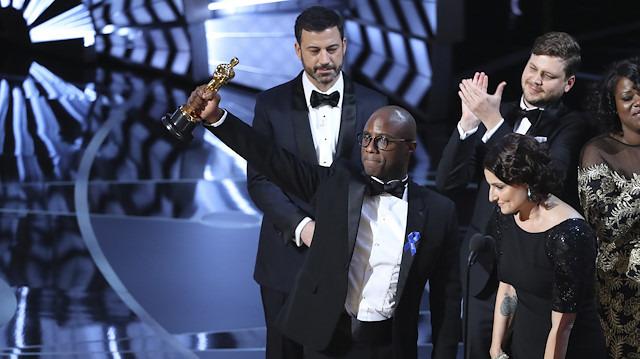 Oscar'a yeni güncelleme: Bazı ödüller reklam aralarında verilecek