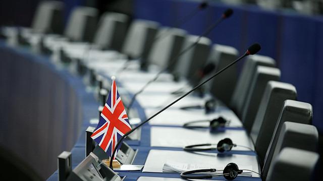 İngiliz Parlamentosu anlaşmasız ayrılığa 'hayır' dedi