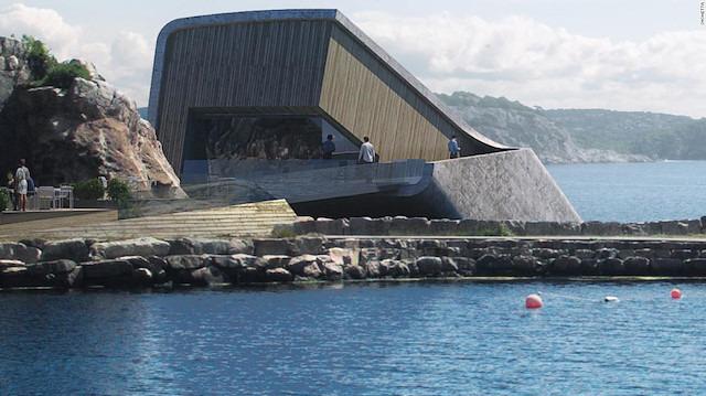 Avrupa'nın ilk su altı restoranı açıldı: Balıkları izlerken balık yiyebilirsiniz