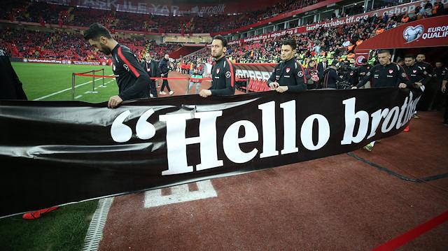 Eskişehir'de 'Hello Brother' mesajı
