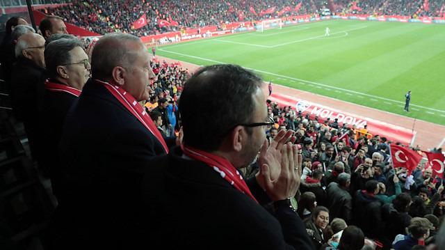 Cumhurbaşkanı Erdoğan'ın ayakta alkışladığı gol