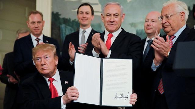 Trump imzayı attı