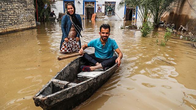 İran'da sel: Huzistan eyaleti tahliye ediliyor