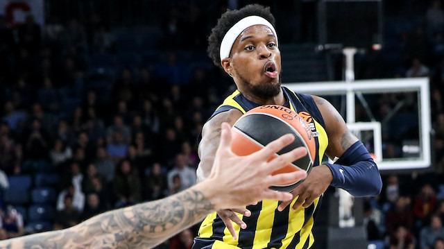 Bobby Dixon 2 yıl daha Fenerbahçe'de