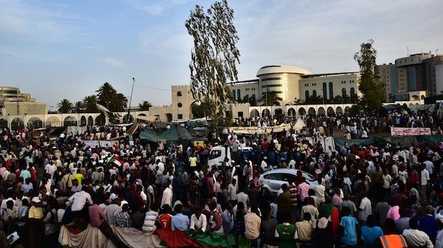 Sudan'da göstericilere ordu müdahalesi