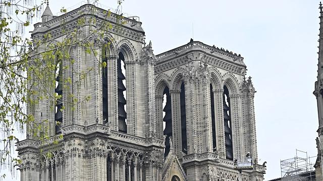 Tarihi 'Notre Dame' kül olurken ortaya atılan kulak tırmalayıcı 5 teori
