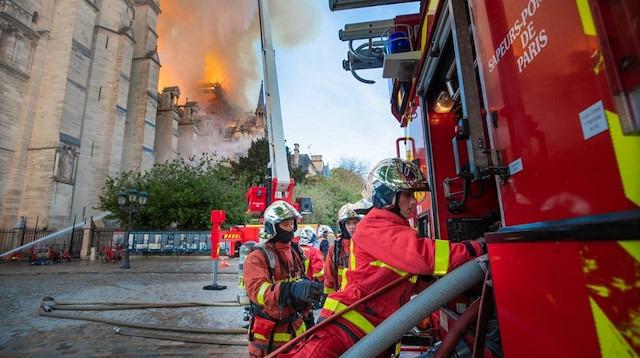Notre Dame Katedrali nasıl yandı?