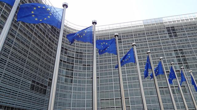 Avrupa Birliği devlerin başını ağrıtıyor: 'Google ve Facebook üzülecek'