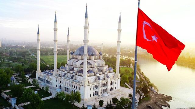 Türkiye'nin 'sembol camileri' ramazana hazır