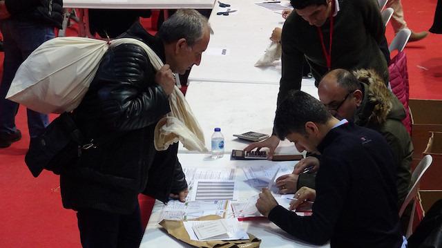 'İyi ün sahibi' yerine 'kamu görevlisi' sandık başına geçti: Seçim Yasası ne diyor?