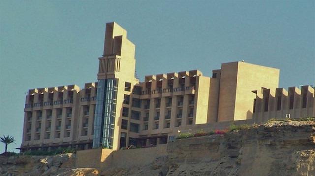Pakistan'da 5 yıldızlı otele silahlı saldırı