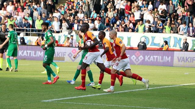 Rizespor-Galatasaray maçının tartışmaları sürüyor
