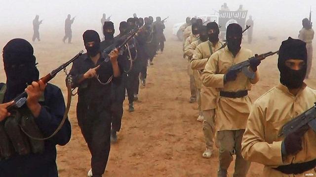 DEAŞ, Musul'da 7 kişilik aileyi katletti