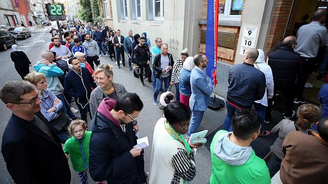 'Hükümet kuramama rekoru'nu elinde bulunduran Belçika, belirsizlikler içinde sandığa gidiyor