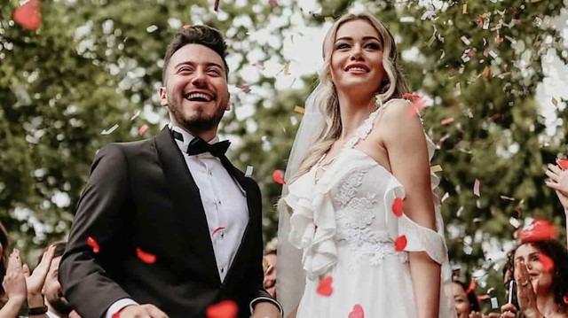 Enes Batur evliliğinin perde arkası: Reklam için mi yapıldı?