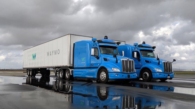 Waymo, Arizona'daki sürücüsüz kamyonları test etmeye başladı