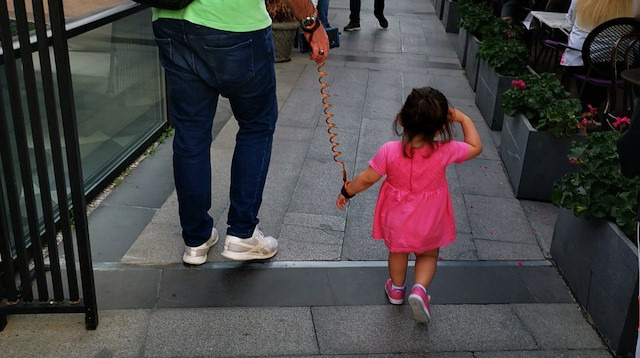 'Çocuk güvenlik kemeri' mi, 'tasma' mı?