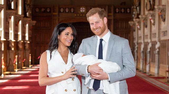 Meghan Markle bebeğinin fotoğrafını ilk kez paylaştı: Babalar günün kutlu olsun Harry