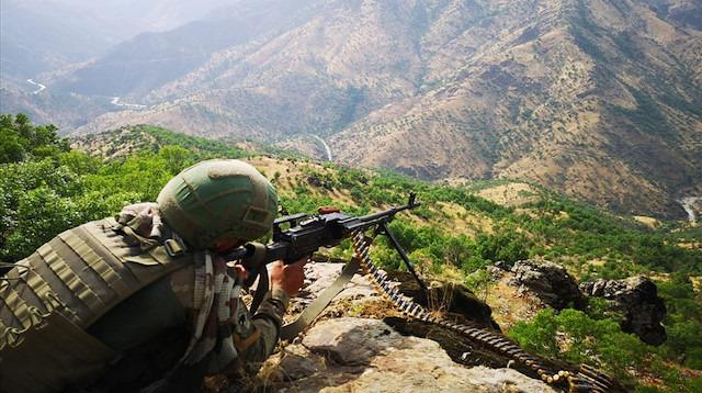 Pençe Harekatı'nda 29. gün: PKK'ya ait silah ve yaşam malzemesi ele geçirildi