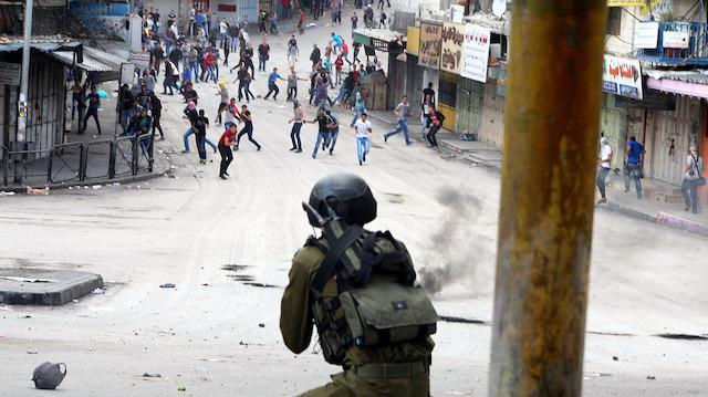 Çalıştayı protesto eden Filistinlilere müdahale