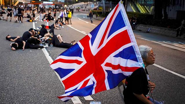 Hong Kong protestoları etrafında İngiltere-Çin gerilimi