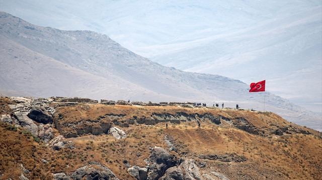 Van'da 22 kişilik özel ekip, Urartu Kralı'nın kalesini buldu