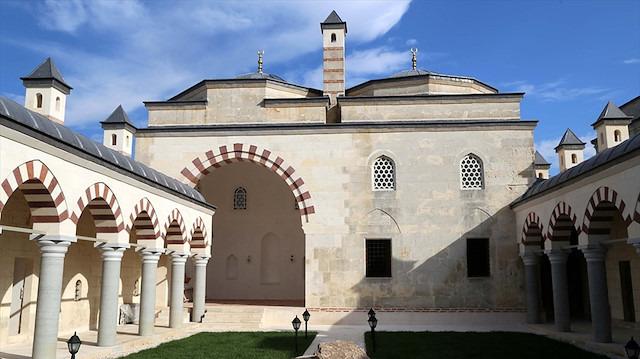 Fatih Sultan Mehmet'in eğitim aldığı medrese restore edildi