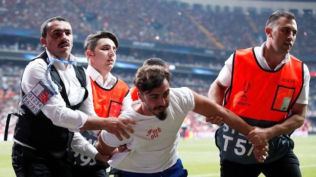 Süper Kupa maçında sahaya giren Ali Abdülselam Yılmaz adliyeye sevk edildi