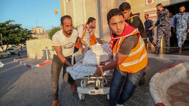 İsrail, Gazze'de iki Filistinliyi şehit etti