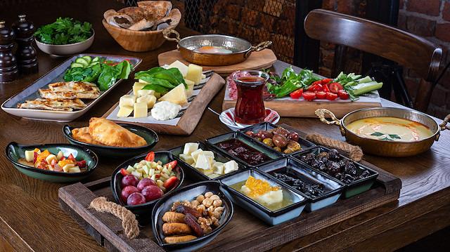 'Serpme kahvaltı' israfının yıllık bilançosu 100 milyar lirayı buldu