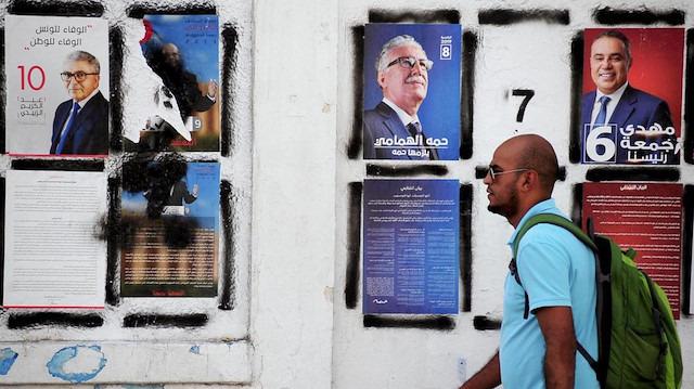 Tunus'ta gençlerden siyasilere net mesaj