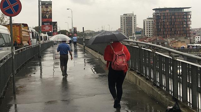Kışın habercisi yağmurlar başladı: Hafta sonu hava nasıl olacak?