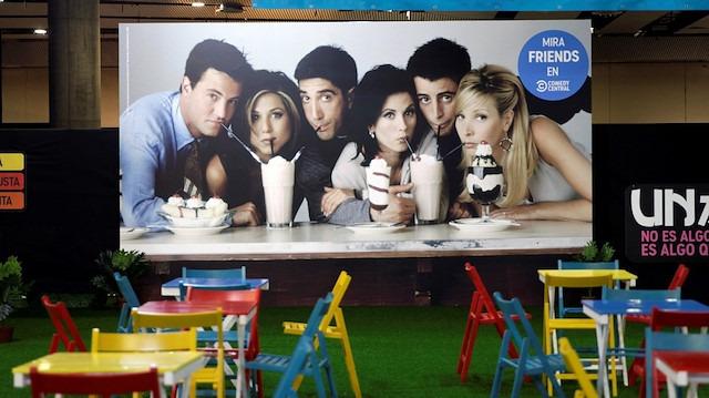 Ünlü yazardan 'Friends' yorumu: Okumuş düşmanlığı yaydı