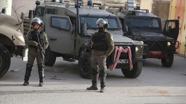İsrail, Filistinli bakanı gözaltına aldı